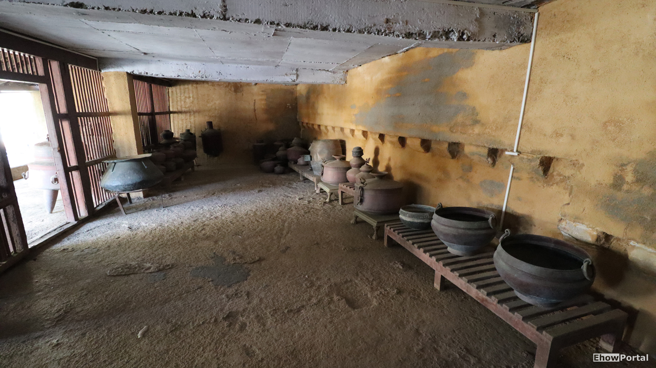 Inside Hingolgadh Fort by Bhavesh Sondagar