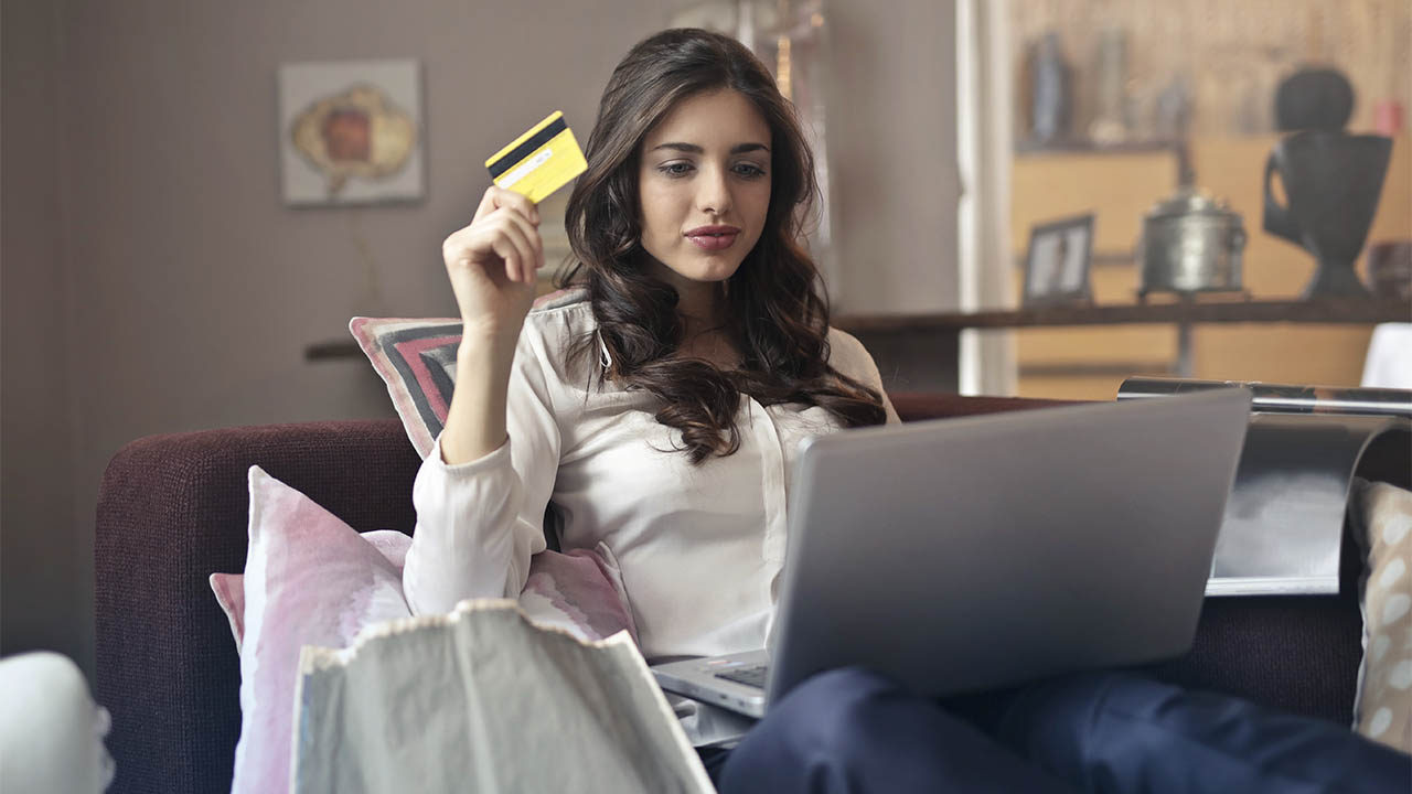 5 Essential Tips for First-Time Credit Card Holders